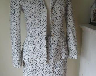 Vintage 1990s Vertigo Paris France Summer Suit Black & White Cotton Skirt Size 6, 38 and Fitted Jacket Blazer M (fits like XS) Flower Print