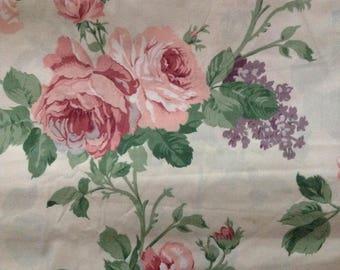 FLORAL Vintage 70's Cabbage ROSE Print FABRIC Gorgeous Lilacs Cotton
