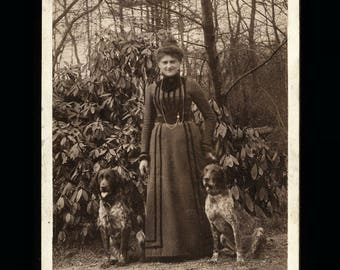 Antique 1890s Cabinet Card Photo Woman with Two German Pointer Dogs + NOTE