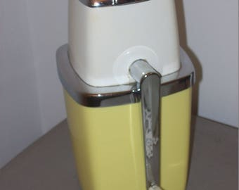 Vintage Swing A Way Yellow and Tan Ice Crusher Bar Mixed Drink