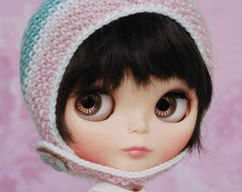Icecream 2 - knitted Blythe hat with chin strap