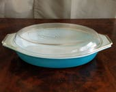 BEAUTIFUL! Aqua Pyrex Princess/Cinderella Promo 1 1/2 Qt Casserole with Golden Scroll Detail Lid