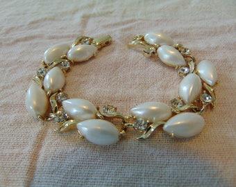 vintage lisner signed gold crystals pearls bracelet
