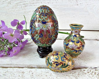 Vintage Home Decor- Vintage Enamelware- Chinese Vase- Decorative Egg- Cloisonne Enamel- Bud Vase- Asian Art- 1960s Decor- Asian Figurines