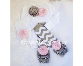 Baby Girl Bodysuit, Baby Girl Leg Warmer and Hat Outfit in Pink and Gray Chevron, Pink and Gray Take Home Outfit, Winter Baby Girl Outfit