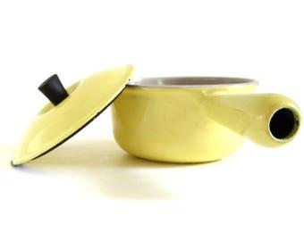 Le Creuset 14 Yellow Saucepan 1 Qt Cast Iron Porcelain Enamel Cookware Pots Pans