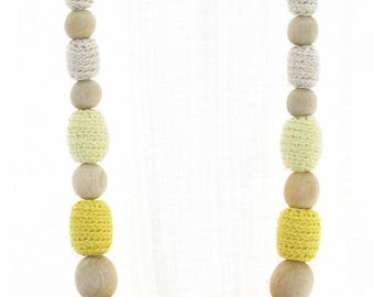 Nursing necklace Yellow ombre Babywearing jewelry Long chunky crochet beaded necklace Baby shower gift for mom to be Fall fashion Autumn