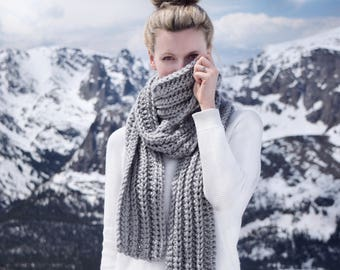 Chunky Knit Scarf Womens Blanket Scarf Gray / Long Crochet Knitted Cowl Scarf / Fall Fashion Winter Style Fashion Scarves / Gift For Her
