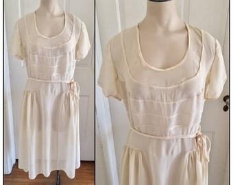 Vintage 1920s Sheer Ivory Crepe Short Sleeve Dress 0 2 4