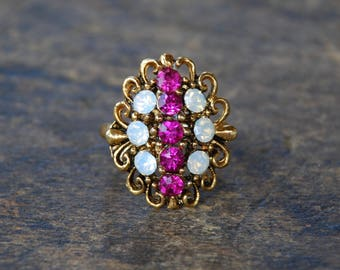 Vintage Uncas Cocktail Ring Fucsia Pink Moonstone Rhinestones Antique Gold Tone Filigree Adjustable 1960's // Vintage Costume Jewelry