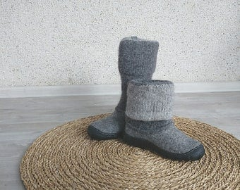 READY to SHIP Natural gray men snow boots - felted men winter boots Size us mens 8.5/EU 41