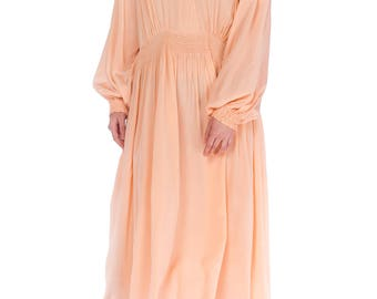1930s Smocked Long Sleeve Negligee Size: M/L