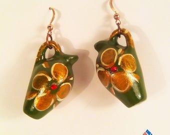 Earrings in the shape of Sicilian bummulu