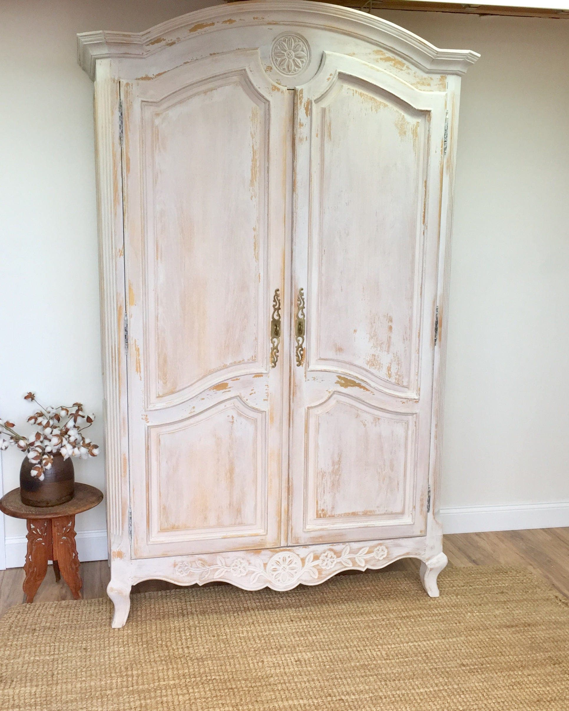 large armoire french provincial style shabby chic. Black Bedroom Furniture Sets. Home Design Ideas