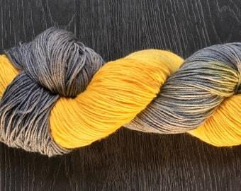 Hand Dyed, hand painted Yarn - Dirty sunshine - DoodleBug BFL sock