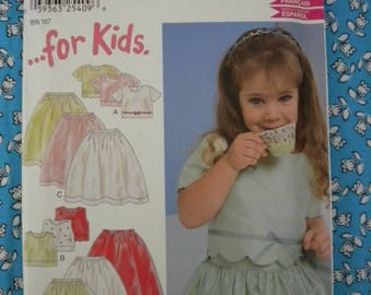 New Look 6135 { Girls UNCUT Dress Pattern - Size 2 3 4 5 6 7 } Two Piece Full Skirt and Top Scalloped or Strait Hem Edge