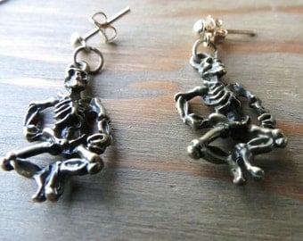 Skeleton earrings - Dia de los Muertos - Skeleton jewelry - Day of the Dead - brass skeleton earrings - skeleton stud earrings