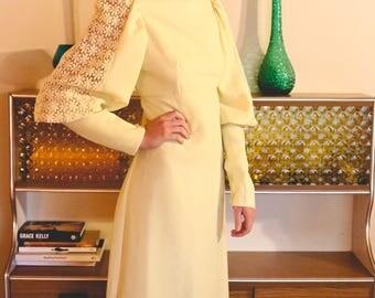 Vintage 1960's A-Line Dress Long Mellow Yellow DAISIES Flower Power Medium Large
