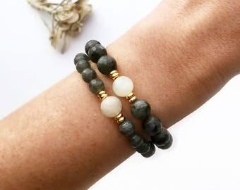 Moonstone Bracelet, Mala Bracelet, Labradorite Bracelet, Wrist Mala, Yoga Bracelet, Healing Bracelet, Gray Bracelet, Beaded Bracelet, BMLM