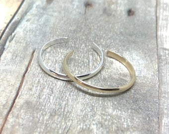 Gold and Silver Toe Rings, Thin Toe Rings, Set of 2 Stacking Toe Rings, Silver and Gold Toe Rings, 1.63mm, Mix and Match, Foot Jewelry