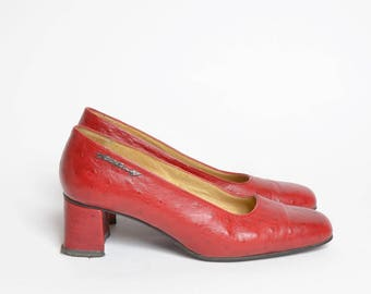 Vintage 90's Red Real Pebbled Leather Chunky Heel Pumps Made in Finland
