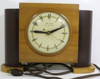 Art Deco Vintage Wood United Clock Electric Alarm Clock