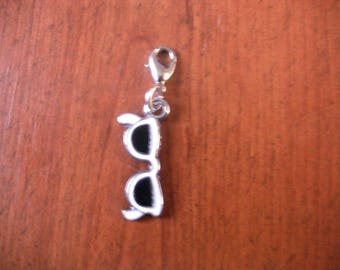 charm's sunglasses from the black and white snap charm