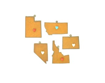 Rocky Mountain Region States With Heart Magnet Rusty Metal Ornament Assortment
