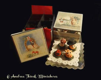 Miniature Good Luck Marzipan Boxes  - 1/12