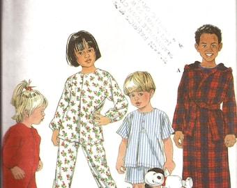 Toddler and Child Sleepwear Pajamas Robe Sleeper Sewing Pattern / Simplicity 8493 / Size 3 - 4 - 5 - 6 / UNCUT