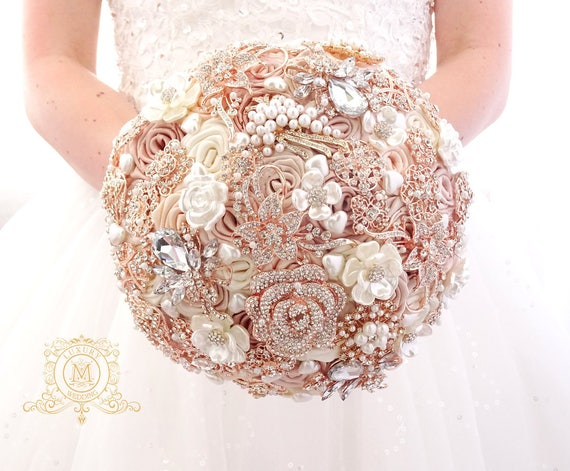 Champagne rose gold BROOCH BOUQUET. Ivory, beige, cream broach boquet. Jeweled crystal flowers weding bridal bouquet by Memory Wedding