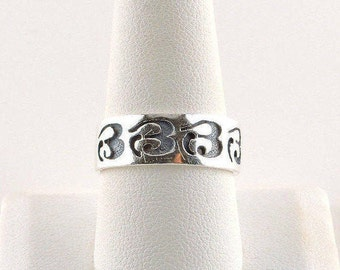 Size 9.5 Sterling Silver Engraved Band Ring