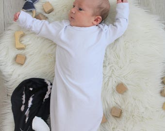 White Knot Gown - Gender Neutral - Baptism Outfit - Coming Home Outfit - 0-3 Months - Modern Baby - New Baby - Newborn - Baby Clothes - New