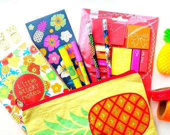 Fun tropical DIY / stationery grab bag | pineapples | flowers