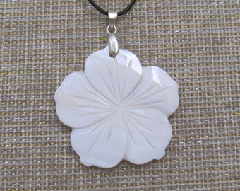 CLEARANCE SALE-Floral Elegance Pendant - White
