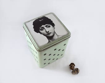 Decorative tins inspired by Fornasetti, organizer, decorating room, decoration, recycling, home, Lina Cavallieri, mint