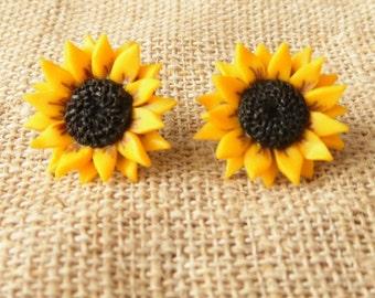 Sunflower earrings Sunflower stud yellow flower earrings polymer clay jewelry gift for her wedding jewelry yellow jewelry bridesmaid jewelry