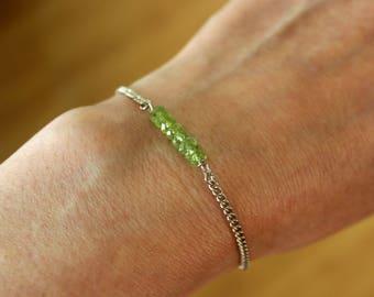 Peridot Bracelet, Natural Peridot Bracelet, Delicate Gemstone Bracelet, Dainty Peridot Bracelet, Olivine Bracelet, Olivine Jewelry, Peridot