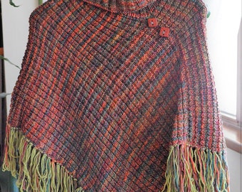 Woman poncho, poncho with fringes, wool poncho, red ceramic buttons, boho style, woman birthday, brown poncho, knitted poncho