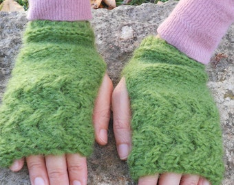 Moss green mittens, Hand knit mittens, Winter gloves, cable knit hat