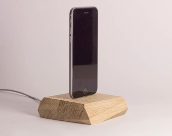 Pick up-Magnetic docking station made of wood, for lightning iphone