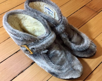 1970's faux fur booties *stormgards by converse*