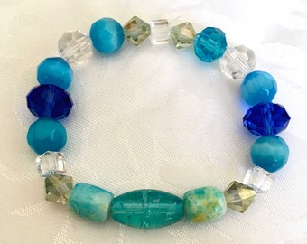 Beautiful blues and clear crystal stretch bracelet