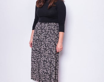 Vintage 90s Black and White Ditsy Floral Midi Skirt, Size 16