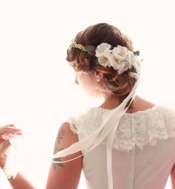 Gold flower crown, Gold circlet with flowers, Unique bridal headpiece, Bridal hair accessory, Gold floral hair wreath, Boho bride crown