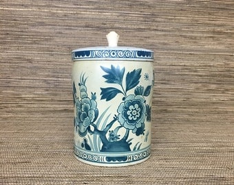 Vintage Floral Kitchen Canister // Tin Can // Biscuit Tin // Cannisters