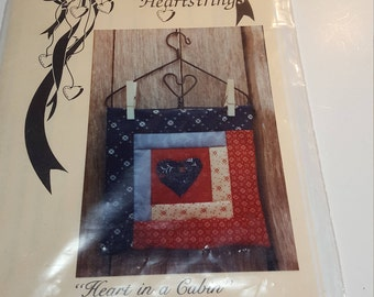 Clothes Pin Quilt Pattern - Heart in a Cabin by Country Heartstrings, small wall quilt