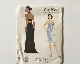 Vogue 2257 - Vera Wang Uncut Pattern