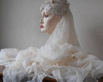 ON SALE Antique Wedding Veil 1920s Flower Headpiece Ivory Cream Petals Skull Cap Hat Big