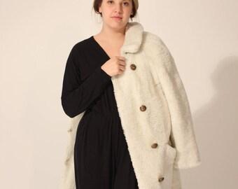 Faux Fur Winter Coat Vintage Coat White Coat White Winter Coat Mid Length Coat Short Coat Collar Coat Button Coat Medium Coat 80s Coat